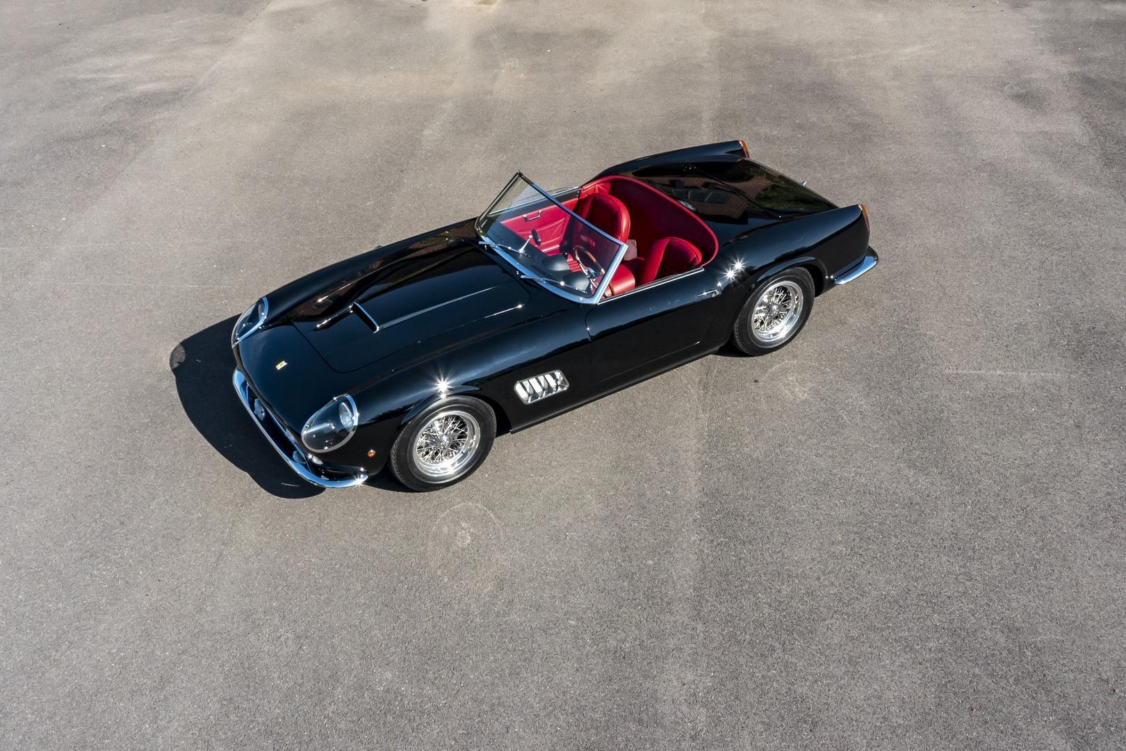 California Spyder Revival может быть настроен так, как пожелает покупатель. Автомобиль будет оснащен стандартным 3,0-литровым, модернизированным 3,5-литровым или 4,0-литровым двигателем, соединенным со стандартной четырех- или пятиступенчатой механич