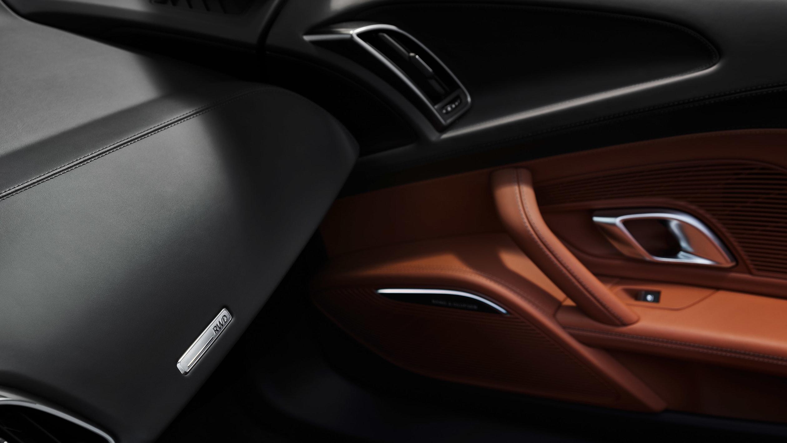 Audi добавил новую модель в линейку R8 в виде R8 V10 Performance RWD, который станет новой точкой входа в линейку спортивных автомобилей R8, когда он поступит в продажу 21 октября.