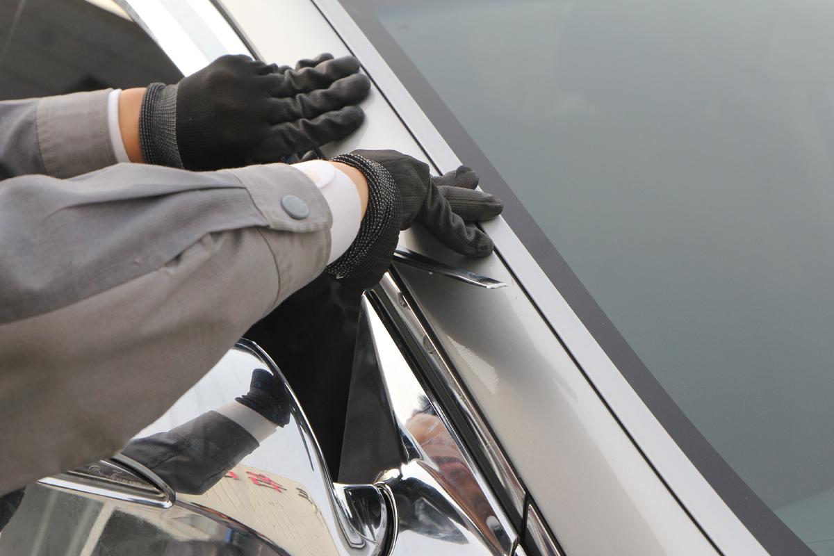 Демонтаж дефлекторов с окон - Тюнинг Hyundai Santa Fe 3 (DM), набор Avtoclover