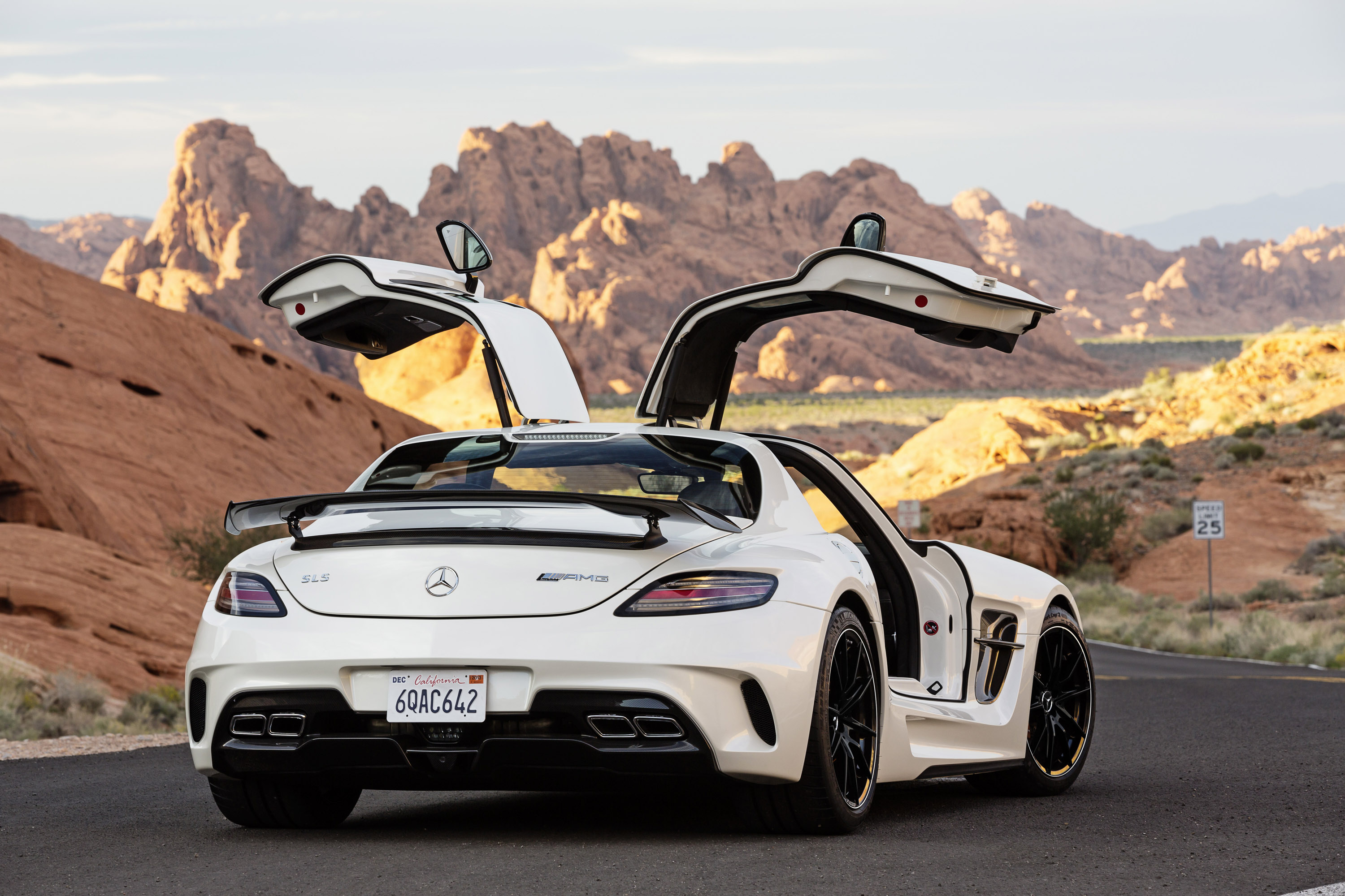 Mercedes-Benz SLS AMG Coupe Black Series на треке