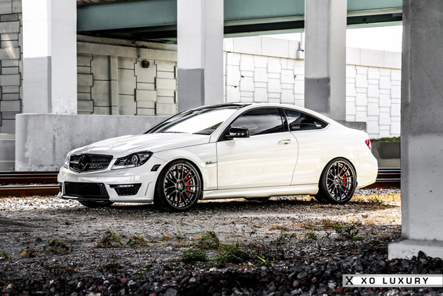 Mercedes C63 AMG Mode Carbon тюнинг