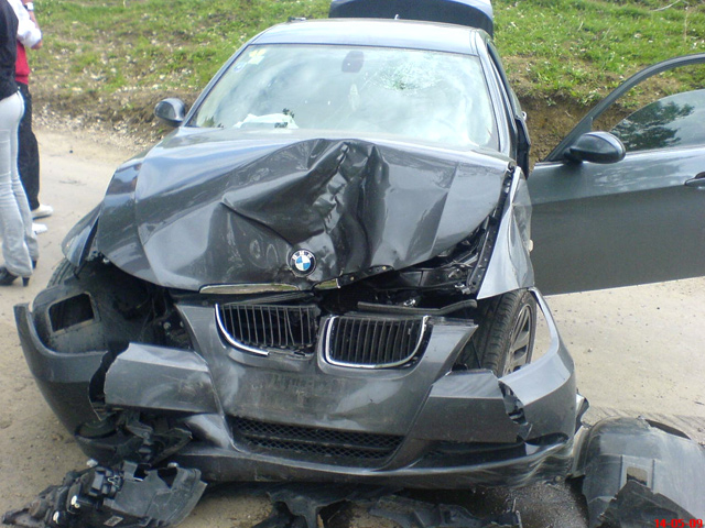 Примеры глупейших аварии при парковке с участием BMW