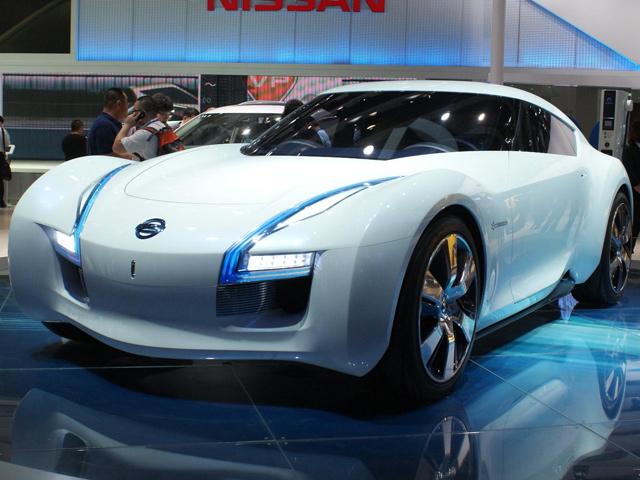 Nissan готовится к производству маленького спорткара