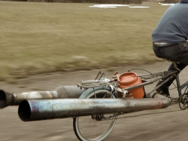 Бабушкин велосипед  может быть очень опасен!