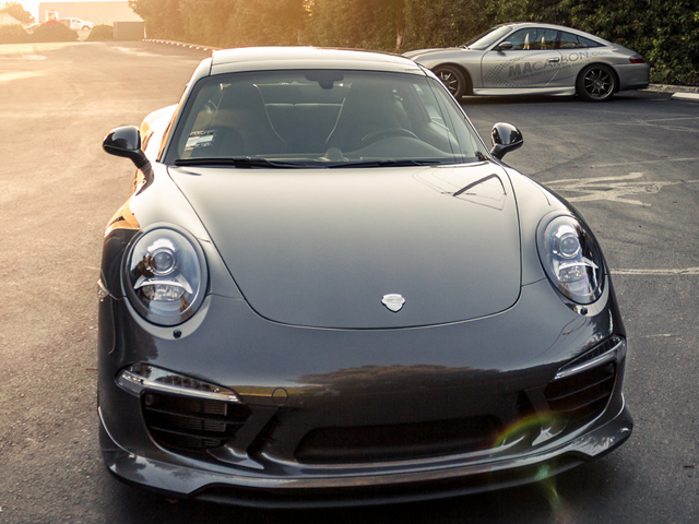 Тюнинг интерьера Porsche 911 от MACarbon
