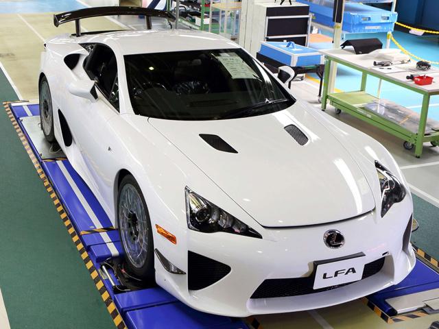 Lexus построил финальный LFA
