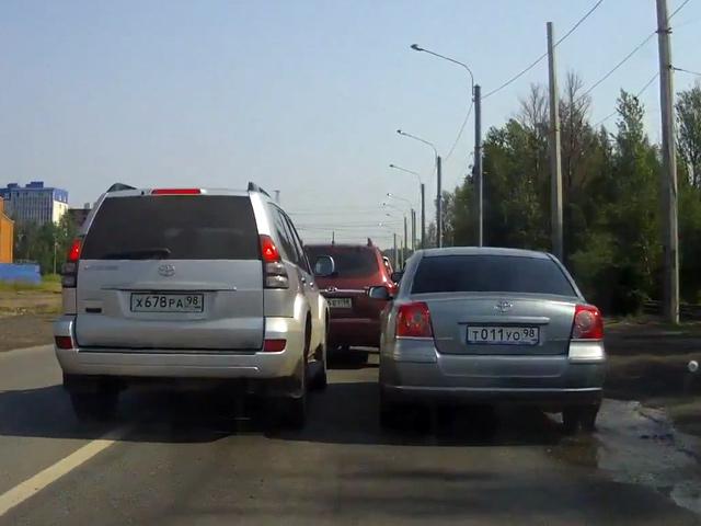 Расправа на дороге, или месть Toyota Land Cruiser
