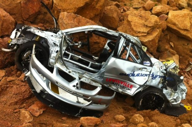 Каркас безопасности спас жизнь гонщику и его штурману в Pikes Peak