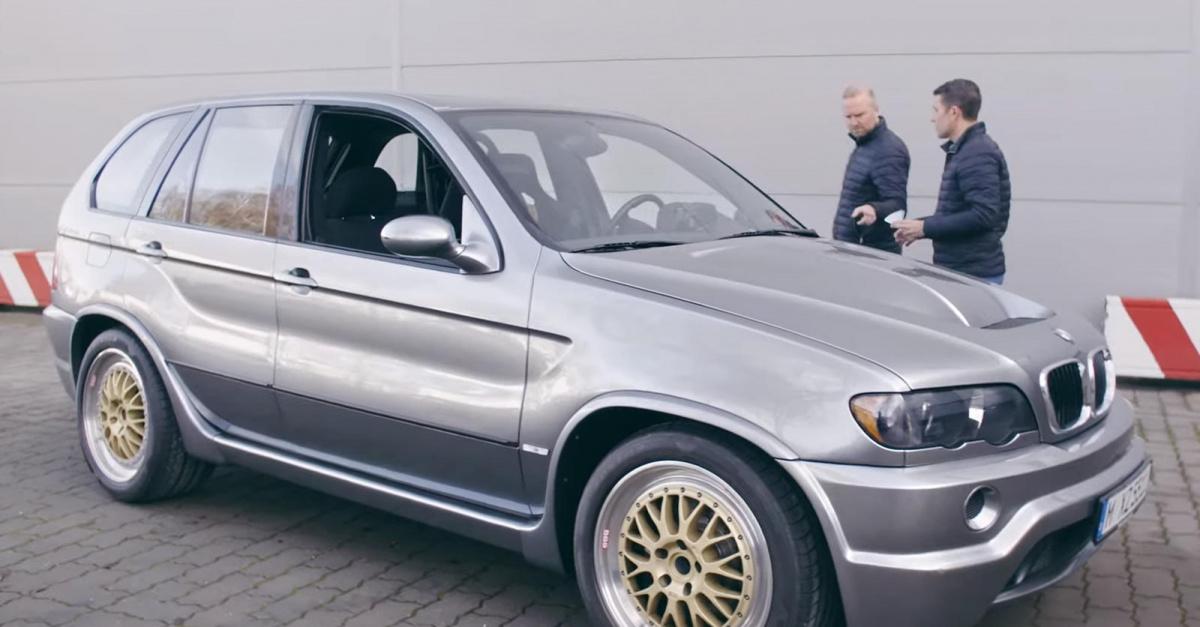 Канал BMW Group Classic на YouTube копался в своем хранилище, заполненном известными BMW на протяжении многих лет. Они начинаются с McLaren F1, который, как вы помните, также использовал BMW V12, прежде чем рассказать, что баварская компания когда-то