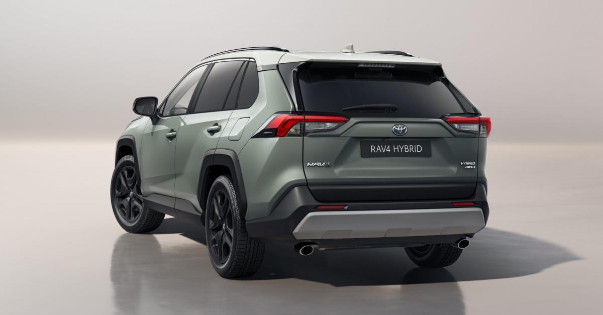 Toyota выпустила новую версию RAV4, которая предназначена для тех, кто любит природу. Он называется Adventure и поступит в продажу в Великобритании в начале 2022 года с несколькими изменениями в строгом стиле и с обновленным интерьером.