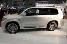 Тюнинг Toyota Land Cruiser 200 (дорестайлинг) - Пороги BRANEW.