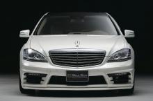 Передний бампер на рестайлинговый Mercedes Benz W221.