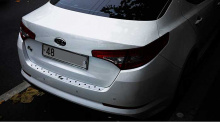 Защитный молдинг багажника - Стайлинг Киа Оптима Premium Metallicот производителя Zeo (Южная Корея).