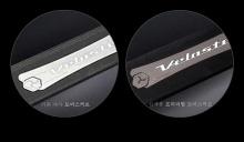 Тюнинг салона Хендай Велостер - светодиодные накладки на пороги в салон - от компании Change Up.