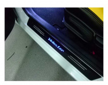 Тюнинг салона Хендай Велостер - накладки на пороги со светодиодной подсветкой - от компании Ledist.
