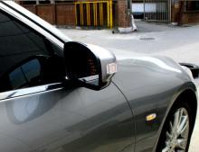 Тюнинг Инфинити G35 седан - зеркальные элементы в боковые зеркала заднего вида со светодиодными повторителями поворотов - от компании GreenTech.