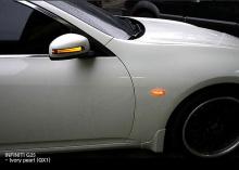 Тюнинг Infiniti G25 - корпуса боковых зеркал заднего вида со светодиодными повторителями поворотников - от ателье GreenTech.