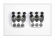 Тюнинг салона Киа Соул - алюминиевые накладки на педали - от компании Better Grip.
