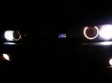 Эмблема М светящаяся в темноте, стайлинг БМВ.