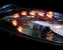 Тюнинг оптики Ниссан Жук - светодиодные модули в фары