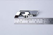 Шильд - эмблема R Line в решетку радиатора, на болтах. Размер 95*38 мм. Металл, хромированный.  2 цвета на выбор - КРАСНЫЙ, ЧЕРНЫЙ.