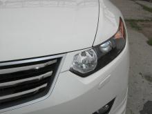 Тюнинг Хонда Аккорд 8 (Дорестайлинг) - Накладки уголки на переднюю оптику.