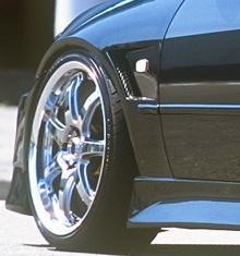 Передние крылья Vertex для Toyota Altezza / Lexus IS 200. Расширение +2 см. с каждой стороны.