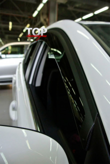 Оригинальные дефлекторы на окна Well Visors Premium - Стайлинг Тойота Рав4  (2013-2016)