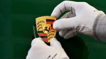 Чувство пребывания в 911 сейчас так же приятно, как и тогда. Все потому, что 911 сохранил основные ценности нашего бренда, как и в первом Porsche 356/1 1948 года ».