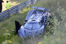 Гиперкар, о котором идет речь, также представляет собой персонализированный автомобиль «Gryphon», показанный на Женевском автосалоне 2017. Его кузов сделан из синего карбона, который украшают отличительные золотые акценты.