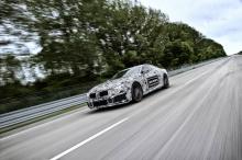 M8 будет тесно связан с M5 - и, таким образом, он будет оснащен 4-литровым четырехцилиндровым V-8 с двумя турбинами M GmbH следующего поколения, и получит не менее 600 лошадиных сил. Он будет соединен с автоматической коробкой передач с 8 скоростями.
