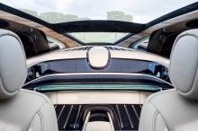Вероятно, нет ничего более увлекательного для автомобильного коллекционера, чем уникальные машины, построенные на заводе, предназначенные для частных трасс и гаражей и для высоко обеспеченных владельцев.