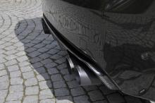 Тем не менее обновления включают карбоновый капот и воздухозаборники, а также задний диффузор и спойлер на крышке багажника.