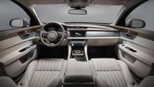 Владельцы Jaguar XF Sportbrake, скорее всего, будут заинтересованы в багажном пространстве новой версии. Jaguar подтвердил, что XF Sportbrake получит 1700 литров грузового пространства с задними сиденьями. 25-литровое увеличение по сравнению с 1,675