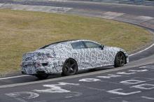 AMG GT Concept предложит гибридную трансмиссию, в отличие от нынешнего диапазона линейки AMG, которая состоит из двигателей внутреннего сгорания. «EQ Power +» с 4-литровым твин турбо V8 может похвастаться 805 лошадиными силами, и станет конкурентов,