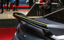 «Наличие другого ключевого игрока в Формуле-1 является доказательством того, что создает компания, и добавит еще больше внимания к обеспечению производительности. Поскольку мы изучаем возможности Project Black S, вклад и знания Pirelli как в автоспор