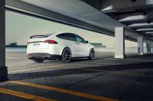 Он уменьшает клиренс передней оси и повышает стабильность на более высоких скоростях.