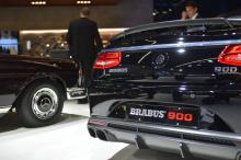 Эстетически Brabus сохранил довольно мало. Элегантный обвес с карбоновыми аэродинамическими деталями визуально отличает Rocket 900 от обычного кабриолета S65. Для получения полной информации о Cabriolet Brabus Rocket 900, а также новостей с Франкфурт