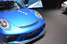 Он производит 500 л.с. и 460 Нм крутящего момента, достаточных для разгона от 0 до 100 км/ч всего за 3,9 секунд до максимальной скорости 316 км/ч. Автомобиль доступен исключительно с шестиступенчатой коробкой передач, а все модели также систему подру