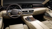 Для определения различий между уходящей версией модели K900 и моделью 2019 требуется всего секунда - все в новой модели выглядит острее и четче, так как Kia сглаживает некоторые неудачные детали первого поколения.