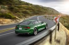 Автомобиль дебютирует на автошоу в Нью-Йорке. У нового члена семьи Audi есть множество функций, о которых можно поговорить. И учитывая то, что мы живем во время великой конкуренции, от этого автомобиля можно многое ожидать. Итак, давайте посмотрим, ч