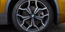 Через несколько месяцев, когда будет выпущен новый автомобиль начального уровеня sDrive18i, цена на первый снизится на $6000 до $ 49900.