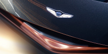 Обладая легкой конструкцией из карбона, Essentia является первым электромобилем корейской марки. Он представляет собой «истинный автомобиль GT».
