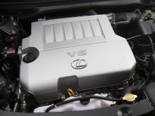 Гибридная модель ES 300h должна получить 2,5-литровую гибридную трансмиссию, возможно, адаптированную от Toyota Camry Hybrid. Мы увидим автомобиль 25 апреля, когда Lexus покажет свой новый седан ES на Пекинском автосалоне.