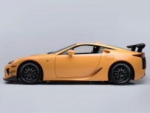 Lexus LFA - редкий автомобиль, но Nurburgring Edition, созданный специально для трека, еще более редкий.
