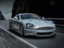 Aston Martin объявил, что предстоящий преемник Vanquish будет называться DBS Superleggera. Это первый раз, когда знаковая табличка DBS была использована от первого поколений Vanquish на базе DB9 до его топового преемника. Впервые название появилось в