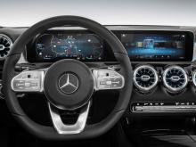 Ожидается, что седан A-класса получит 2,0-литровый двигатель с турбонаддувом и 4 цилиндрами мощностью 224 лошадиных силы на передней оси и 7-ступенчатую коробку передач с двойным сцеплением.
