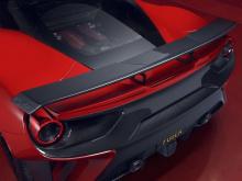 На Женевском автосалоне в этом году Ferrari представил Pista, более хардкорную версию суперкара 488 GTB с приличной мощностью 720 лошадиных сил. Это увеличение на 50 л.с. по сравнению с стандартным GTB. Он также легче, благодаря изобилию аэродинамиче