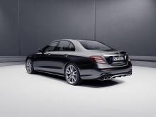 Недавно выпущенные модели присоединяются к E 53 Coupe и Convertible, показанных на Женевском автосалоне 2018. Модели заменяют 43 серию и слот ниже моделей 63 серии.