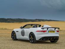 Несколько лет назад Jaguar позволил команде Special Vehicle Operations сходить с ума, превратив F-Type в ограниченный выпуск Project 7. После него компания построила безумный Project 8, который был основан на седане XE. Теперь Виджей Паттни и Джек Ри
